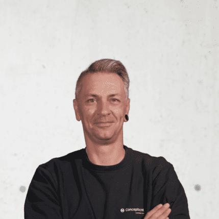 Marco Behrendt, Beleuchtungsmonteur