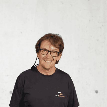 Julian Bitschnau, Lager (integrativer Arbeitsplatz)