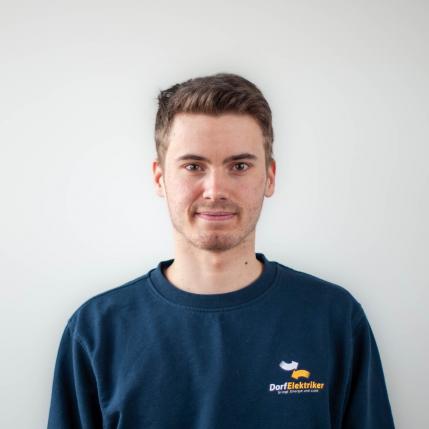 Dario Waldburger, Lehrling beim Dorfelektriker