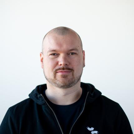 Daniel Tschirf, Service-Monteur